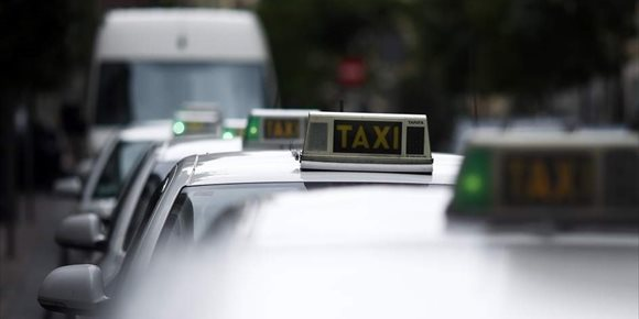 9. La Conselleria se reunirá el martes con el sector del taxi y las VTC para informarles de las líneas básicas del decreto