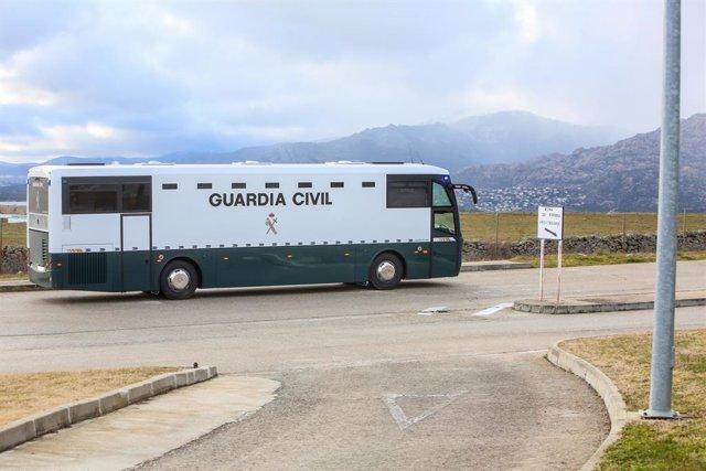 Llegada de los presos independentistas acusados de rebelión a la prisión de Soto