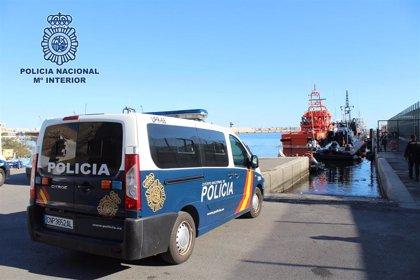 La Policía Nacional de Almería atendió a 964 personas de 21 pateras en enero, más del doble que en 2018