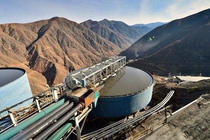 Cuatro trabajadores quedan atrapados en una mina de carbón en Perú