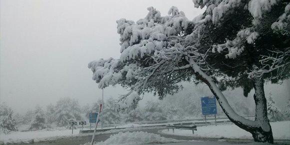 10. Euskadi sufrirá nevadas por debajo de los 400 metros este sábado y vientos del noroeste de más de 100 km/h
