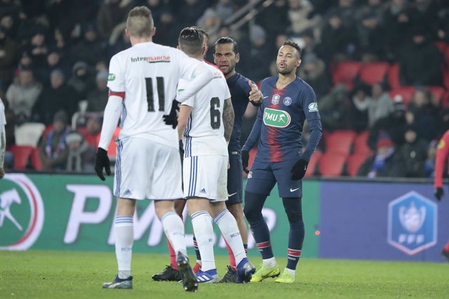 FOOTBALL - FRENCH CUP - PSG v STRASBOURG