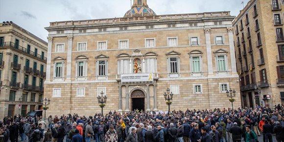 1. La ANC se plantará ante la Generalitat desde el lunes hasta marzo para pedir la república