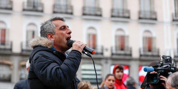 6. Los taxistas trasladarán hoy su protesta a la manifestación de los pensionistas que recorrerá el centro de la capital