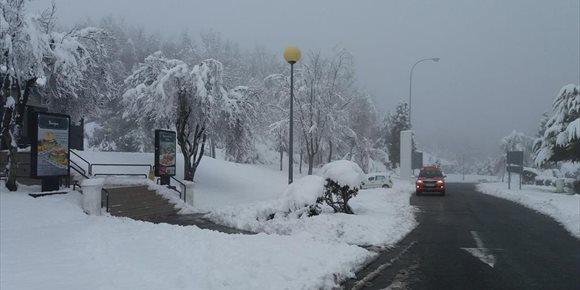 7. Cerrados al tráfico los puertos de Zaldiaran, Orduña, Opakua, Herrera  Bernedo y Altube por nieve o hielo