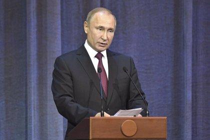 Rússia anuncia la suspensió del tractat d'armes nuclears de mig abast amb EUA