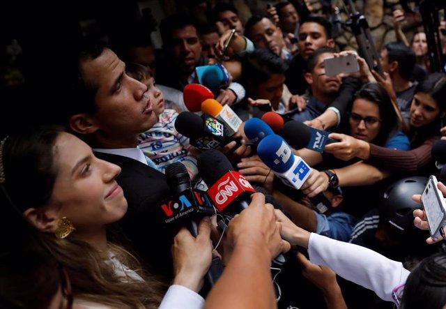Juan Guaidó, su mujer y su hija