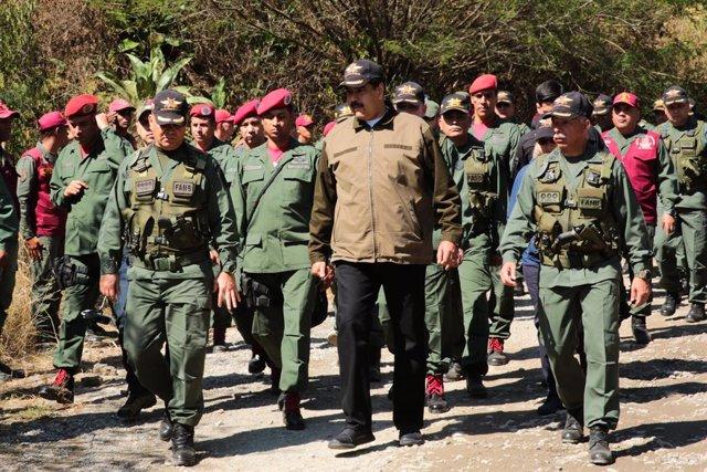 Visita de Nicolás Maduro a una base militar en Caracas