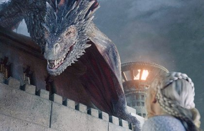 Naomi Watts, la nueva Targaryen no suelta prenda de Juego de tronos
