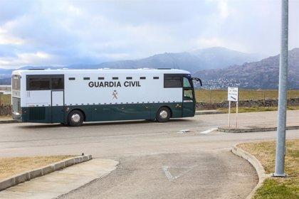 Guàrdies civils recolzen a l'agent suspès per gravar el trasllat dels presos sobiranistes