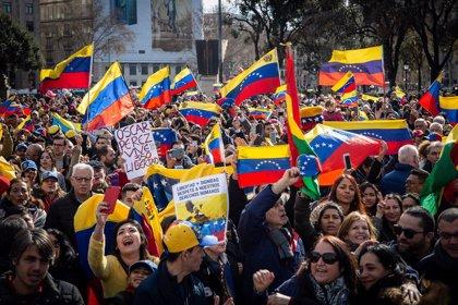 Unes 1.500 persones es manifesten a Barcelona a favor de Guaidó