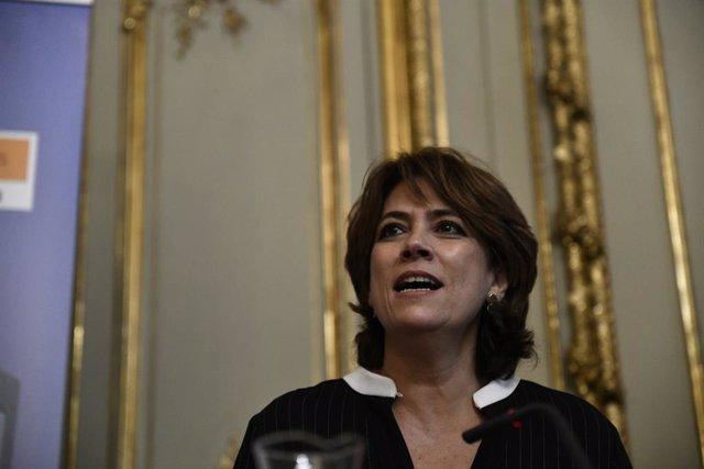 Dolores Delgado presenta el llibre Comentaris a la Constitució Espanyola