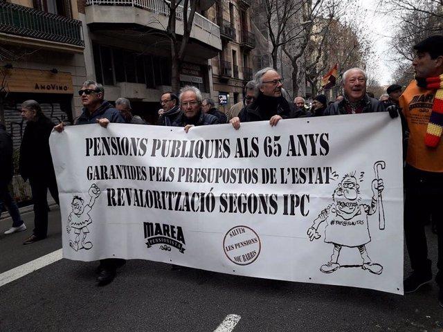 Manifestació de 2.300 pensionistes a Barcelona