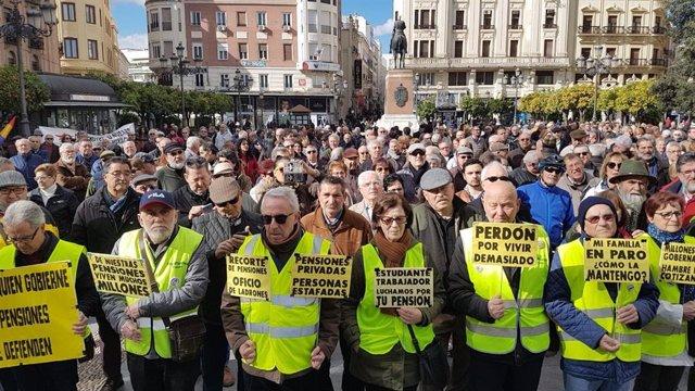Concentración del movimiento en defensa de las pensiones públicas en Córdoba