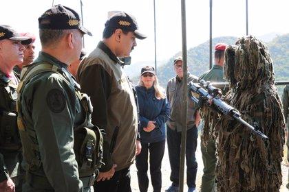 """Maduro asegura que la Guardia Nacional """"velará siempre"""" por la paz"""