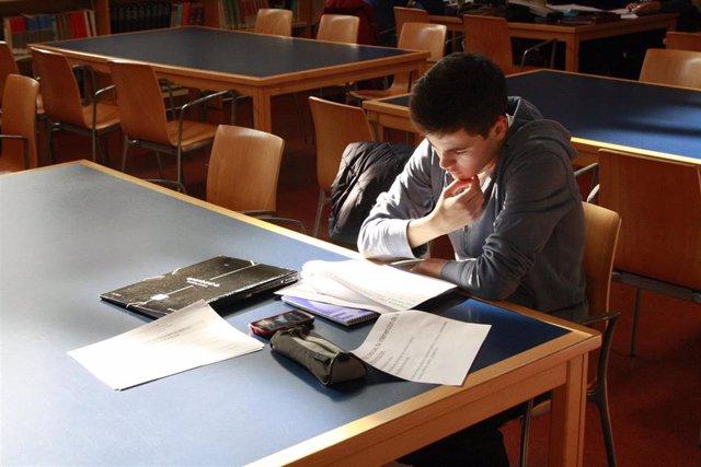 Uno de cada cinco estudiantes abandona la universidad durante el primer año de c