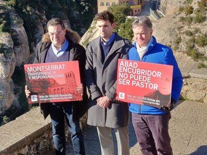 Víctimes de presumptes abusos es concentren al Monestir de Montserrat demanant transparència