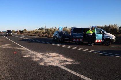 AMPLIACIÓ:Un mort i dos ferits greus en un xoc frontal a l'N-340 a l'Ampolla