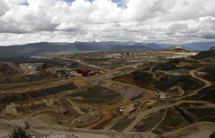 Rescatan a cuatro mineros tras cuatro días atrapados en Perú