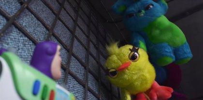 """Nuevos juguetes amenazan a Buzz en el tráiler de Toy Story 4 de la Super Bowl: """"Hasta el infinito... y toma pie"""""""