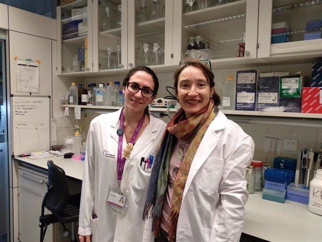 La investigadora Cristina Mir junto a la líder del estudio Matilde Lleonart, que