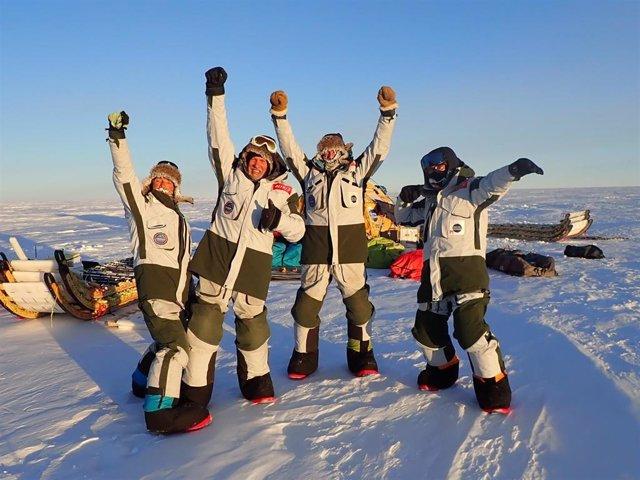 Los cuatro científicos españoles que forman parte de la expedición 'Antártida In