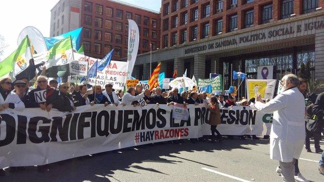 Manifestación médicos 21 marzo 2018