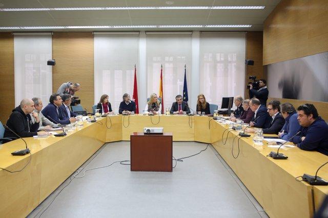 Reunión del Gobierno de la Comunidad de Madrid con las principales asociaciones del taxi de la región en su día 15 de huelga