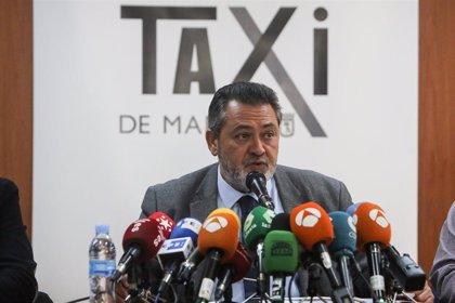 """Los taxistas de Madrid se plantean dejar el paro tras """"perder la batalla"""" con la Comunidad"""