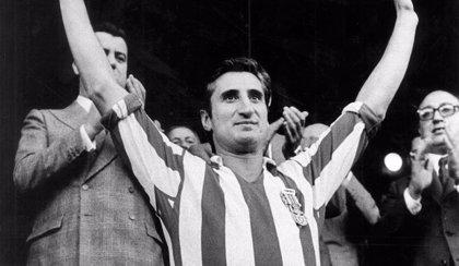 Fallece Isacio Calleja, el quinto jugador con más partidos oficiales con el Atlético