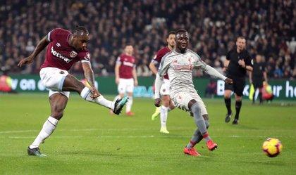 El Liverpool no puede con el West Ham y anima la Premier