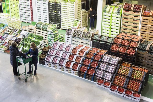 Punt de venda central de fruites a Mercabarna