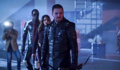 Arrow 'resucita' a 10 míticos personajes en su episodio 150