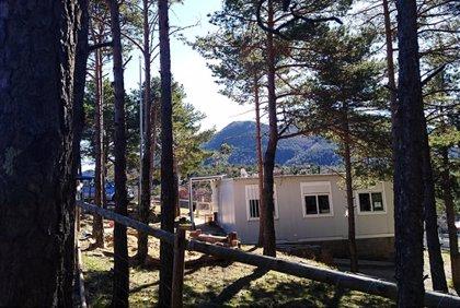 L'escola rural de Lliurona reclama un nou edifici després de 27 anys en mòduls prefabricats