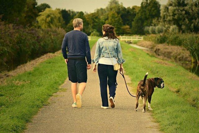 Familia con una mascota