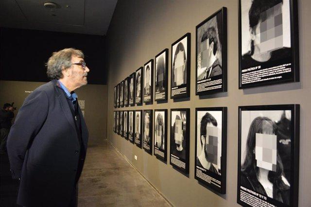 Tatxo Benet al Museu de Lleida, davant de 'Presos polítics en l'Espanya contempo