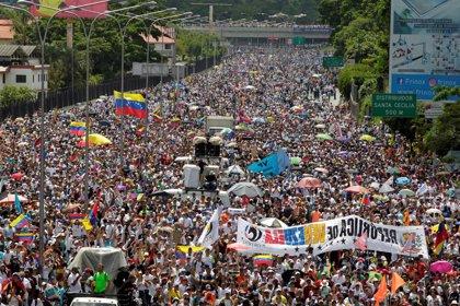 EEUU empieza a enviar comida y medicamentos a la frontera de Colombia con Venezuela