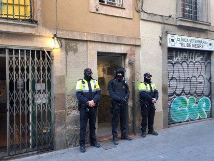 Un detingut en una nova operació contra narcopisos al Raval de Mossos i Guàrdia Urbana de Barcelona
