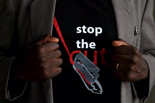 Camiseta contra la Mutilación Genital Femenina