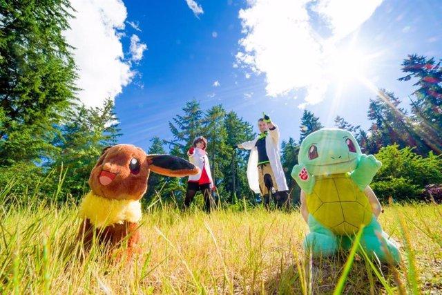 Jugando a Pokemon Go