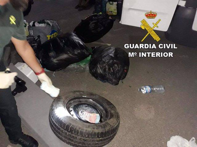 Bolsas de basura y ruedas donde escondían el dinero para blaquear