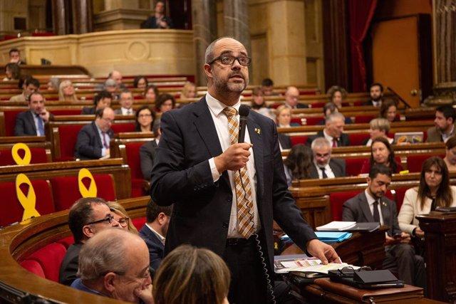El conseller d'Interior de la Generalitat, Miquel Buch, en el ple del Parlame