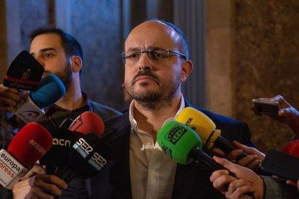 """El PP demana als socialistes que es rebel·lin contra Sánchez i Iceta per """"no entregar-se al separatisme"""""""