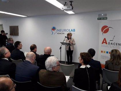 La ministra de Sanidad inaugura un nuevo espacio en Adacen pensado para idear servicios ante el daño cerebral