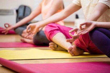 8 semanas intensivas de yoga reduce la gravedad de la artritis reumatoide activa