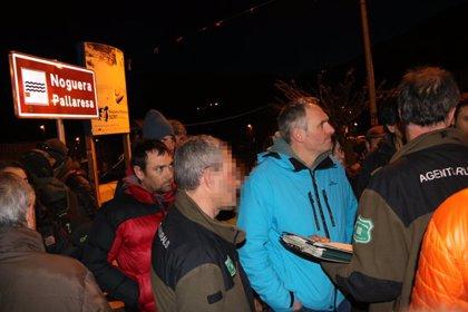 Els Agents Rurals notifiquen a l'alcalde de Sort l'ordre de paralitzar les obres del camp de regates