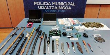 Policía Municipal desmantela dos puntos de venta de droga en Pamplona y detiene a tres personas