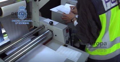 Desmantelado en Rivas (Madrid) el mayor laboratorio de falsificación documental localizado por la Policía