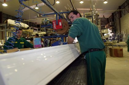 La producció industrial baixa un 16,5% a Balears al desembre