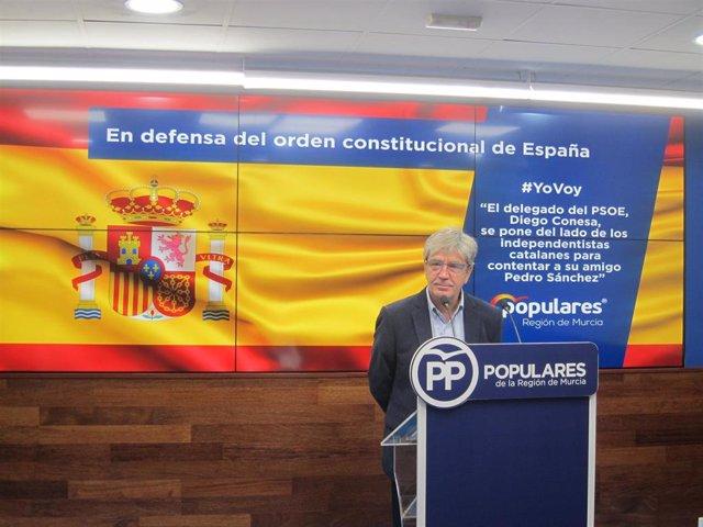 El secretario general del PPRM, Miguel Ángel Miralles, en la rueda de prensa